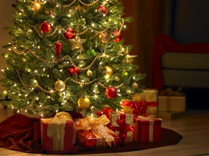 Free-Christmas-Tree-Live-Wallpaper-300x225